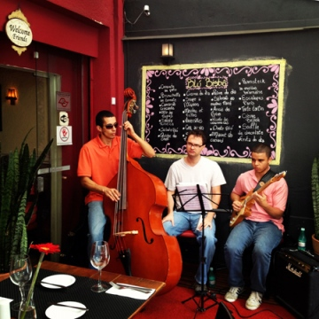 O simpático Blú Jazz Trio