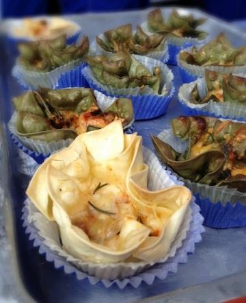 Comecei pela cestinha de lasanha (R$ 9 cada), de bolonhesa ou marguerita, da Tutti Lasagneria