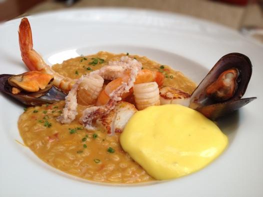 Arroz cremoso com frutos do mar, um dos novos (e ótimos) pratos do Clos de Tapas