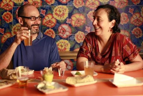 Hugo Delgado, do Obá, e a cocinera Lourdes Hernández, que volta para o México