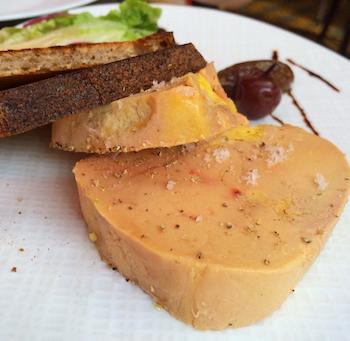 Perfeição: foie gras mi-cuit com creme de ameixa