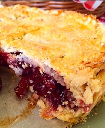 torta cereja corte