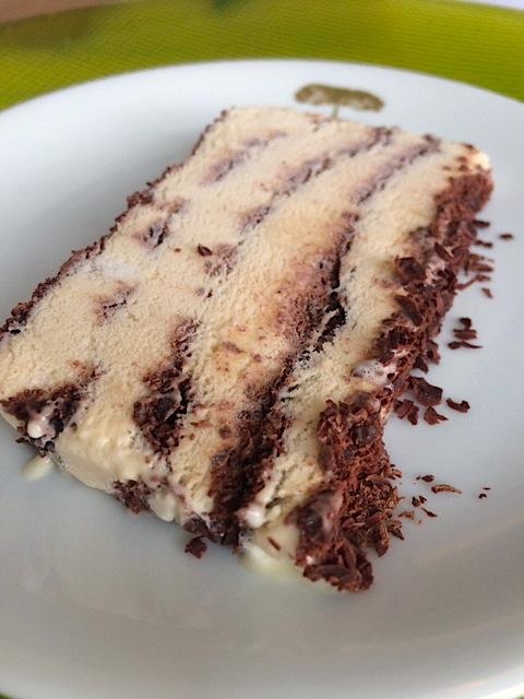 Semifredo de mel e chocolate (sim, há doces na Lapinha!)