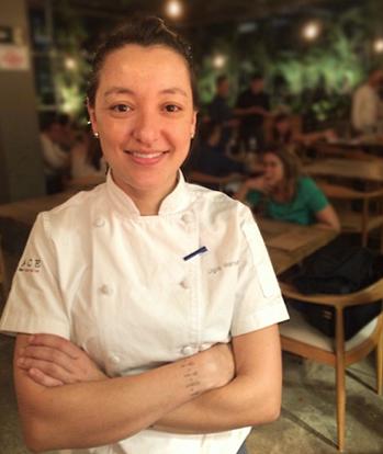 A chef Ligia Karasawa, num raro momento longe da grelha