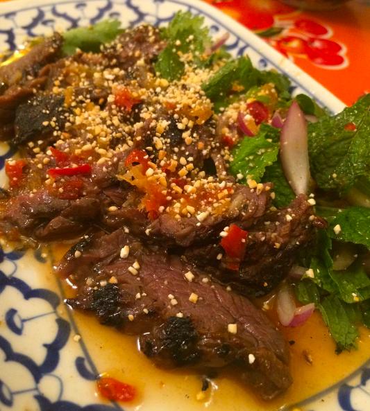 Salada de fraldinha com molho apimentado: golaço do chef Mauricio Santi