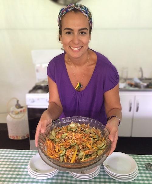 A nutricionista Carolina Morais (sim, vai ter receita de salada também!)