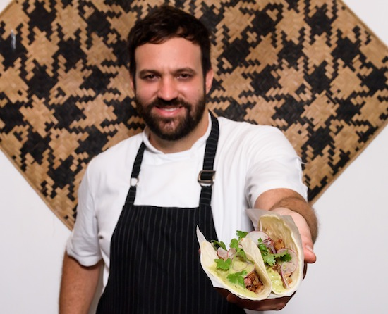 O chef Marcelo Corrêa Bastos, do Jiquitaia, e seu Taco del Rancho
