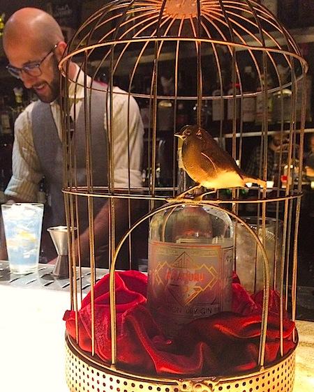 O bartender do SubAstor e do Astor, Fabio La Pietra, e o novo gin